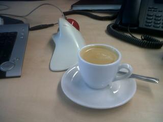 [Bild:Dieser doppelte Espresso ist f…]