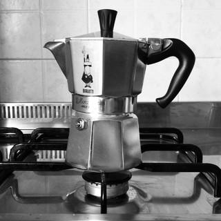 [Bild:Ich mach mal Kaffee http://t.c…]