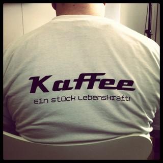 [Bild:Recht hat das T-Shirt #Kaffee …]
