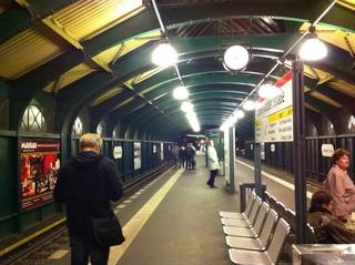 [Bild:U-Bahn Eberswalder Straße]