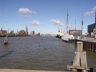 [Bild:Neuer Hafen]