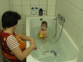 [Bild:Bad mit Ente]