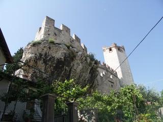 [Bild:Castello Scaligero]